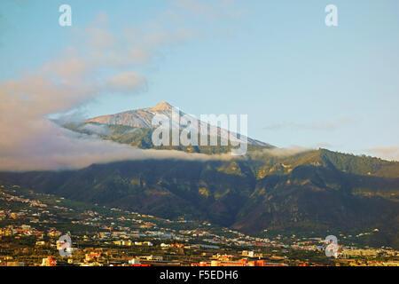 Pico del Teide und das Orotavatal, Teneriffa, Kanarische Inseln, Spanien, Atlantik, Europa - Stockfoto