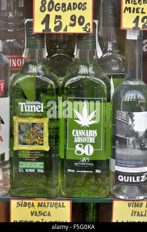 Alkoholische Getränke zu verkaufen. Barcelona, Katalonien, Spanien ...