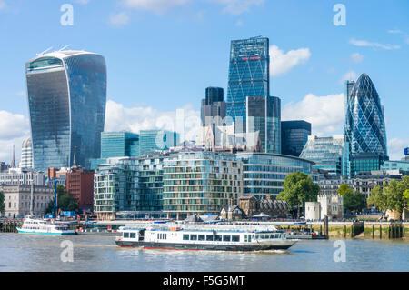 Der Londoner Skyline Finanzviertel Wolkenkratzer River Thames Stadt London UK GB EU Europas