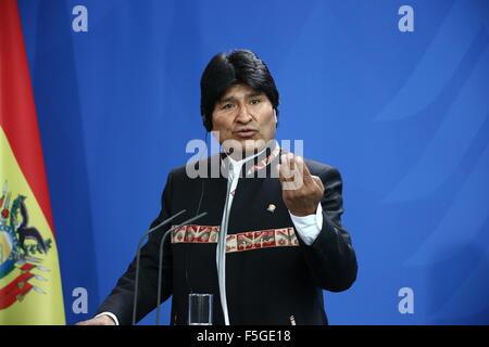 Berlin, Deutschland. 4. November 2015. Bolivianischer Präsident Juan Evo Morales Ayma trifft Bundeskanzlerin Angela - Stockfoto