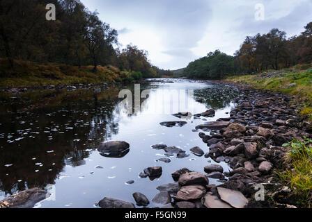 Den Fluß Cassley, Abhainn Charsla, North West Highlands, Sutherland, Schottland - Stockfoto