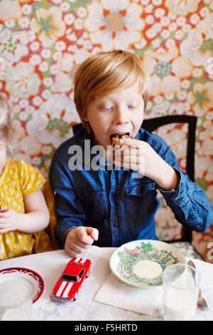 Drei 11 j hrige m dchen spa an einem sommer fete east for Kuchenstudio essen