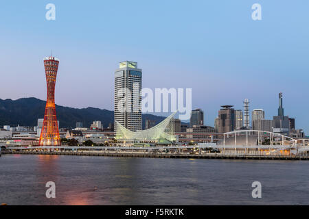 Kobe-Hafen bei Sonnenuntergang - Stockfoto