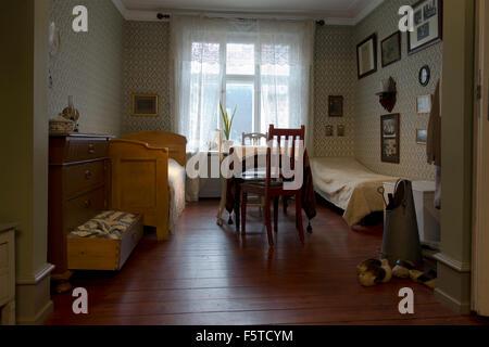 Historischen Schlafzimmer, Wohnzimmer und Esszimmer in einem flachen Kopenhagen. Die Arbeiter-Museum (Arbejdermuseet) - Stockfoto