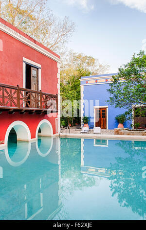 Pool auf der Hacienda Santa Rosa in Yucatan, Mexiko. - Stockfoto