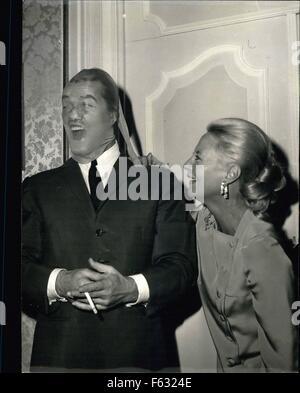 1967: D Sie wissen, dass den Mann im Strumpf? Kaum noch erkennbar, aber es ist der berühmte französische Bildschirm - Stockfoto