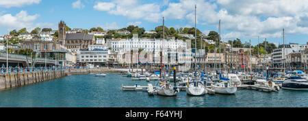 Panoramablick auf Hafen und Yachthafen von Torquay, Torbay, England, UK | Aussicht schlug Den Hafen Und Marina von - Stockfoto