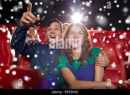 glückliches Paar Film im theater - Stockfoto