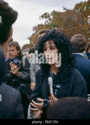 Washington, DC. 7. November 1988 USA Cher während einer Demonstration auf dem Kapitol, den Mangel an bezahlbarem - Stockfoto