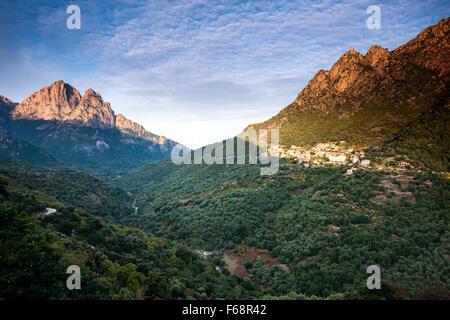 Bergdorf der Ota-Korsika-Frankreich - Stockfoto