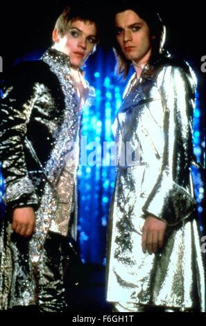 "24. Oktober 1999; Hollywood, Kalifornien, USA; Szene aus 1998 Film ""Velvet Goldmine"" Regie: Todd Haynes. - Stockfoto"
