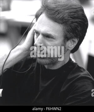 """23. Juli 2002; Hollywood, Kalifornien, USA; Produzent JERRY BRUCKHEIMER am Set von """"Gone in 60 Sekunden"""".  (Bild - Stockfoto"""