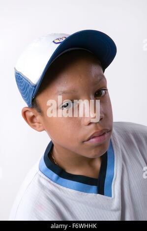 Porträt eines teenaged jungen tragen eine Baseball-Cap, - Stockfoto
