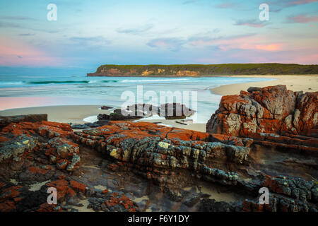 Sonnenuntergang an der wilden Küste Nadgee, NSW - Stockfoto