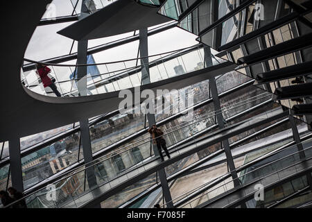 In der Kuppel des Reichstagsgebäudes in Berlin - Stockfoto