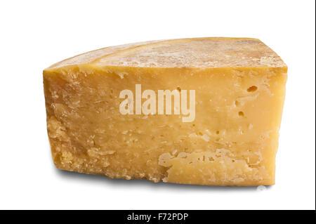 Stück der alten Käse isoliert auf weißem Hintergrund - Stockfoto