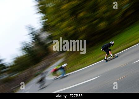 Abfahrt Scateboarders - Stockfoto