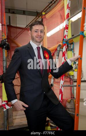 """Richyrich, Manchester, UK. 26. November 2015. Labour-Partei Kandidat für Oldham West & richyrich, Cllr James """"Jim"""" - Stockfoto"""