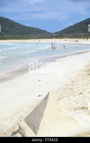 Flamenco Beach ist der längste und beliebteste Strand auf Culebra Insel, Puerto Rico. - Stockfoto