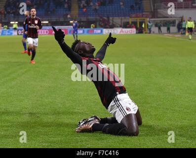 Mailand. 28. November 2015. AC Silvestre Niang feiert nach ein Tor in der italienischen Serie A-Fußball-Spiel AC - Stockfoto