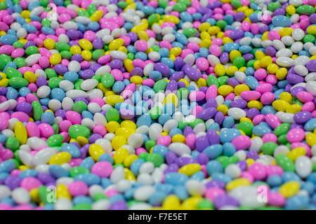 Bunt, Süßigkeiten beschichtet Mandeln - Stockfoto