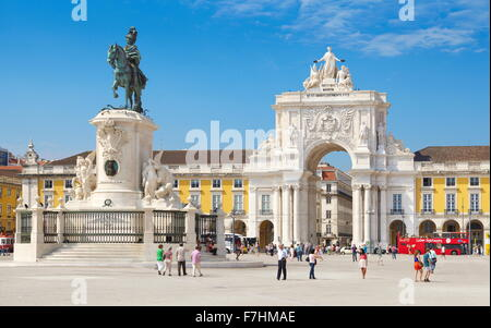 Commerce Square (Praça Do Comercio), König José Denkmal, Lissabon, Portugal - Stockfoto