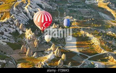 Cappadocia - Türkei, Blick aus dem Ballon um Nevsehir, fliegen über Cappadocia in Heißluftballon, UNESCO - Stockfoto