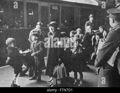 Kurz nach dem Ausbruch des zweiten Weltkrieges wurden Kinder aus den Städten gedacht, um anzugreifen haftet evakuiert. - Stockfoto