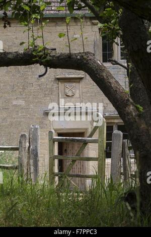 Eine Außenansicht des Woolsthorpe Manor, Lincolnshire. Woolsthorpe Manor war das Haus der Wissenschaftler und Mathematiker - Stockfoto