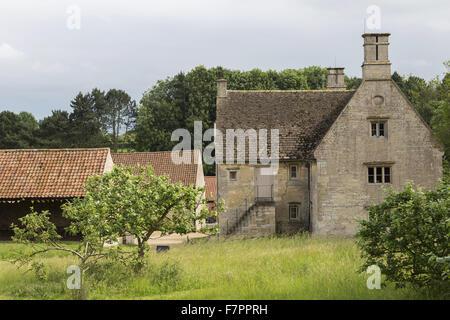 Das Exterieur des Woolsthorpe Manor, Lincolnshire. Woolsthorpe Manor war das Haus der Wissenschaftler und Mathematiker - Stockfoto