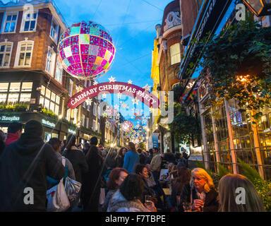 Weihnachtsschmuck Londoner Carnaby Street Weihnachten London 2016 - Stockfoto
