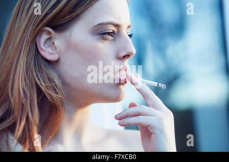 Zigarettenkonsum bei Jugendlichen: Zwischen Coolness und Sucht | nikotinsucht.kelsshark.com