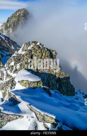Brocken Gespenst im Tatra-Gebirge über Wolken - Panorama - Stockfoto