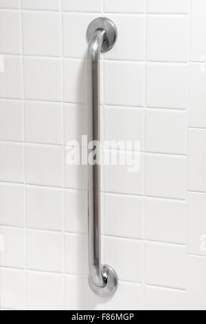 Sicherheit-Haltegriff in Behinderte behindertengerecht Badezimmer - Stockfoto