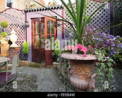 Spiegel Im Garten spiegel im garten garten pool und luftkhlung durch wasserdf