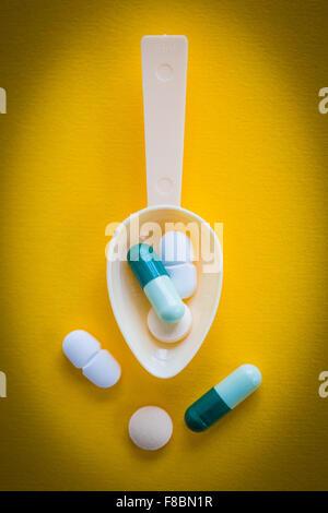 Kapseln und Pillen... - Stockfoto