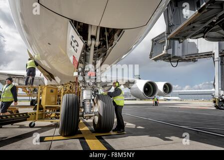 Chefingenieur Überprüfung A380-Flugzeuge - Stockfoto