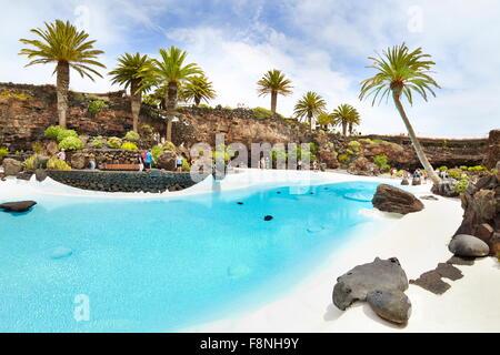 Lanzarote, blauen Pool in Jameos del Aqua, Spanien, Kanarische Inseln - Stockfoto