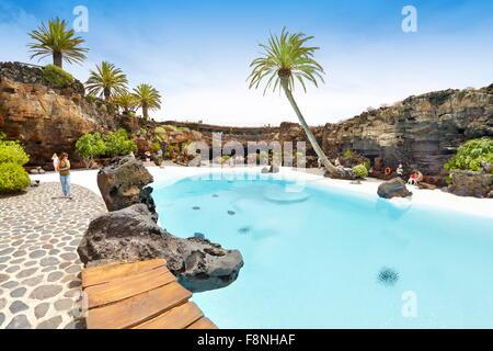 Insel Lanzarote, blauen Pool in Jameos del Aqua, Spanien, Kanarische Inseln - Stockfoto
