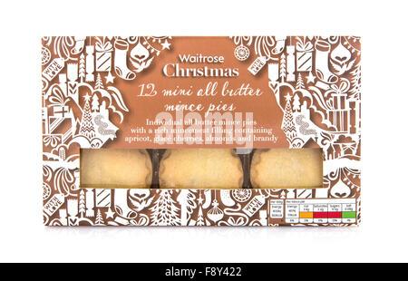 12 Waitrose Weihnachten alle Butter Mince Pies auf weißem Hintergrund - Stockfoto