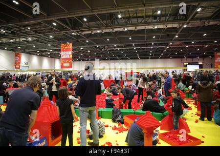 London, UK. 12. Dezember 2015. Ziegel-2015 ist eine Ausstellung widmet sich Lego und läuft am Londoner ExCel über - Stockfoto