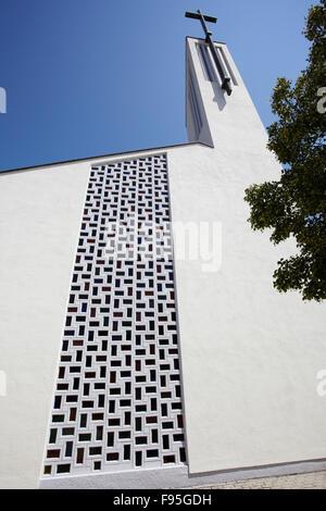 Kirche-Stoob, Oberpullendorf, Burgenland. Ansicht einer Außenwand der Kirche in Oberpullendorf mit einem ausgeschnittenen - Stockfoto