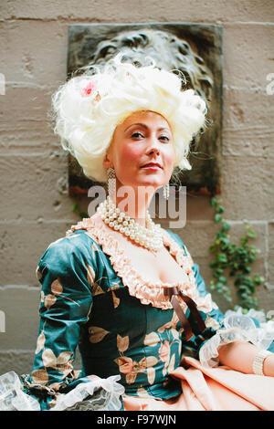 Porträt der Frau im viktorianischen Kleid. - Stockfoto