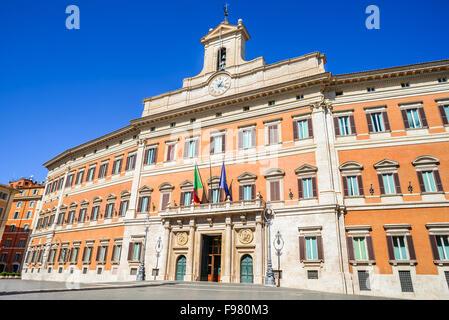 Palazzo Montecitorio ist ein Gebäude in Rom, wo der Sitz der Abgeordnetenkammer der italienischen Republik. - Stockfoto