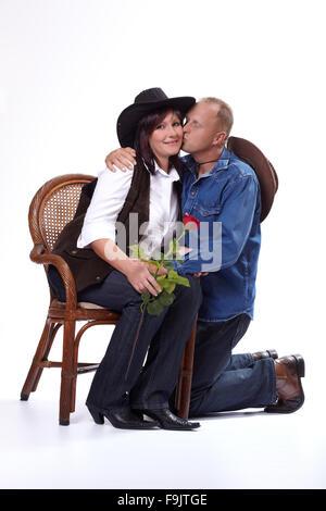 Ein Cowboy-paar küssen - Stockfoto