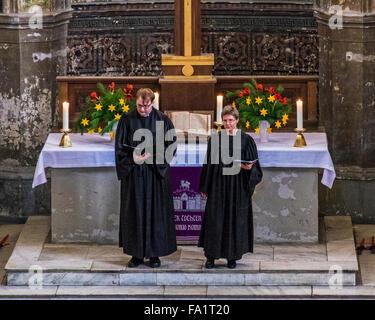 Mitte, Berlin, Deutschland. 20. Dezember 2015. Berliner strömten in die Zionskirche in Mitte heute wo Filmmaterial - Stockfoto