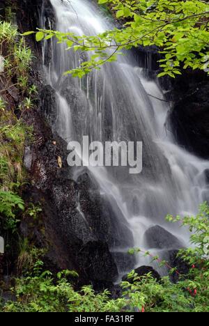 Wasserfall Dunvegan Castle Isle Of Skye Schottland Großbritannien Europa - Stockfoto