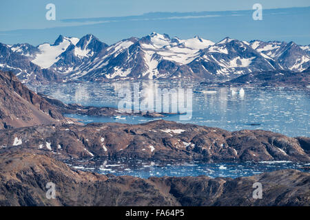 Spätsommer-Meer Eis an Mündung des Ammassalik Fjord, Tasiilaq, Grönland - Stockfoto