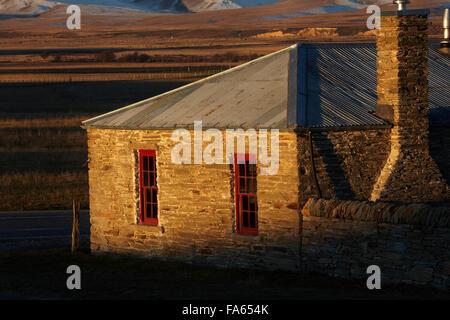 Historisches Landhaus aus Stein, Hills Creek, Maniototo, Central Otago, Südinsel, Neuseeland - Stockfoto