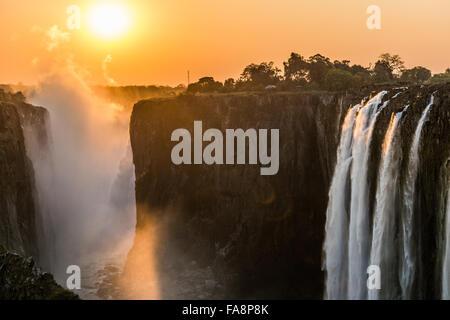 Sonnenuntergang an den Victoria Fällen in Sambia - Stockfoto